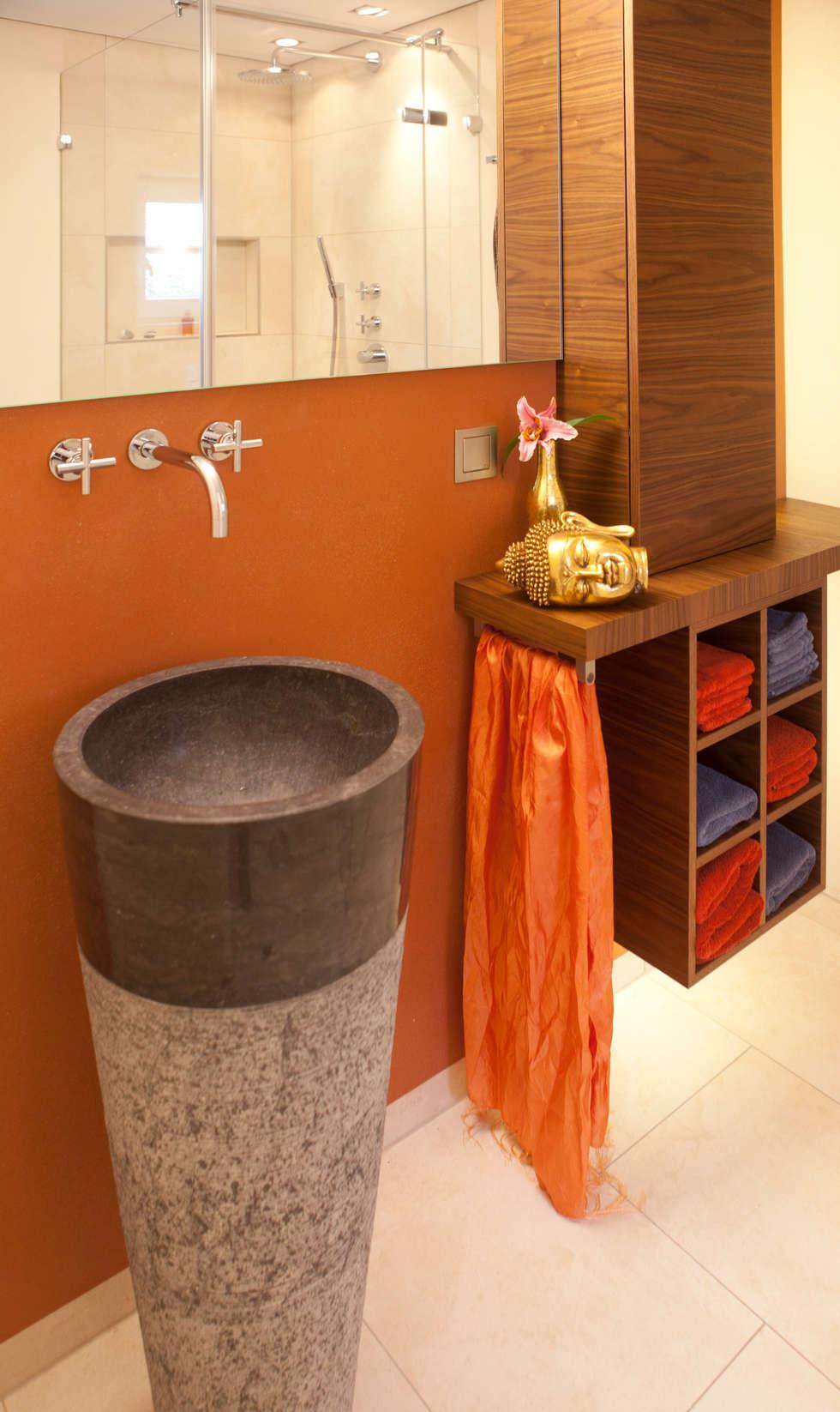 Bäder und Spa- Einrichtungen werden zu einer Oase der Ruhe und Entspannung: moderne Badezimmer von Design by Torsten Müller