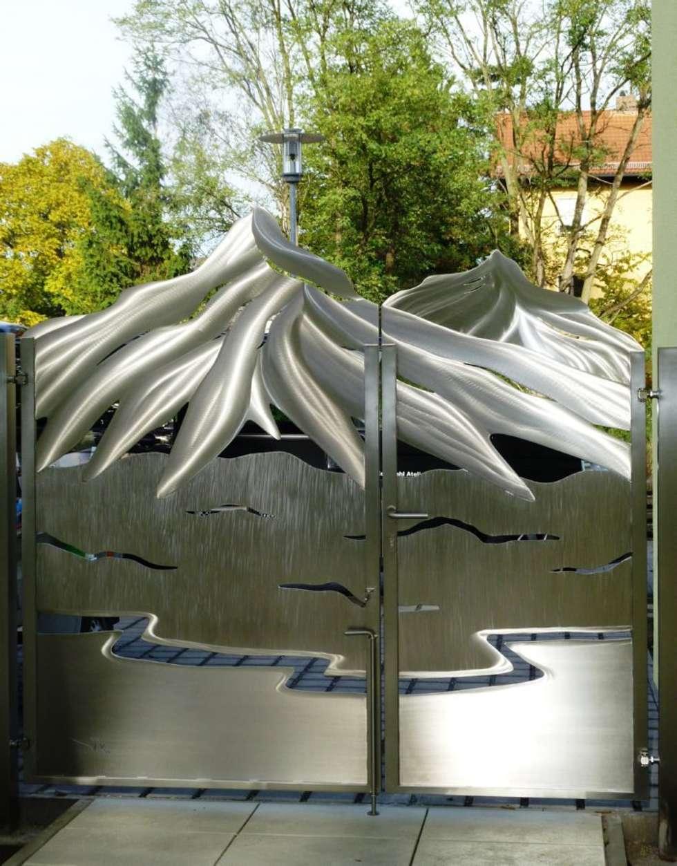 Edelstahl Tore: ausgefallener Garten von Edelstahl Atelier Crouse - Stainless Steel Atelier