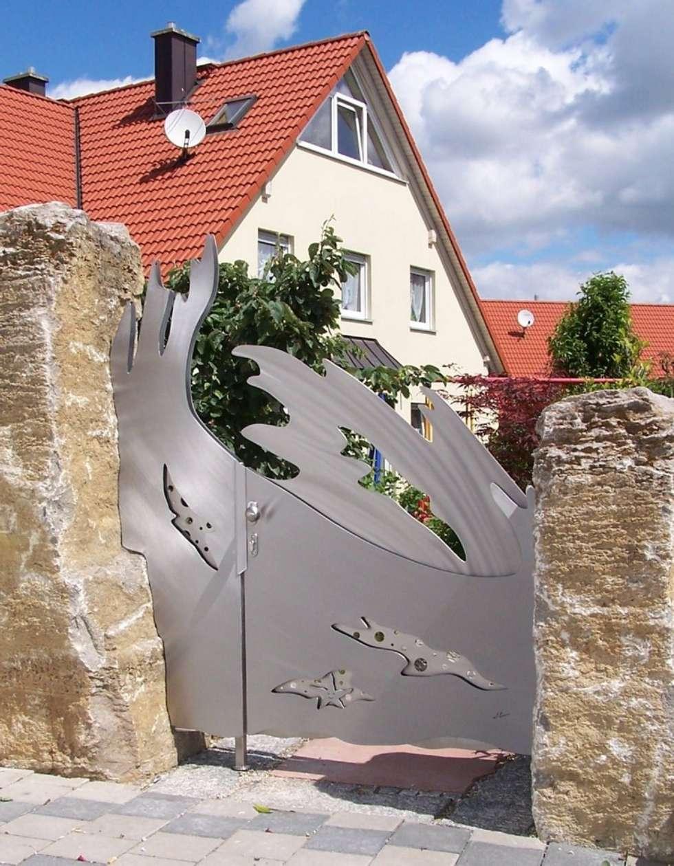 Edelstahl Tor Design: moderner Garten von Edelstahl Atelier Crouse - Stainless Steel Atelier
