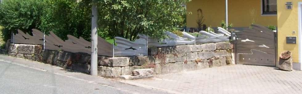 Edelstahl Zaun: moderner Garten von Edelstahl Atelier Crouse - Stainless Steel Atelier