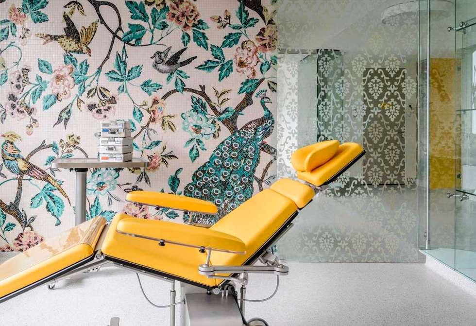 Glasmosaik Zahnarztpraxis:  Praxen von trend group