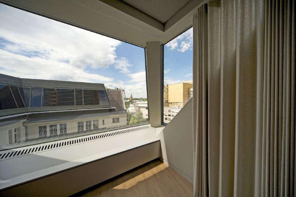 Fassade: klassische Arbeitszimmer von a-base I büro für architektur