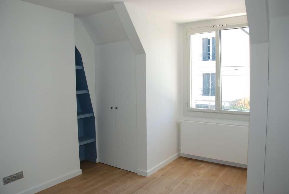 chambre: Chambre d'enfant de style de style Moderne par carol delecroix