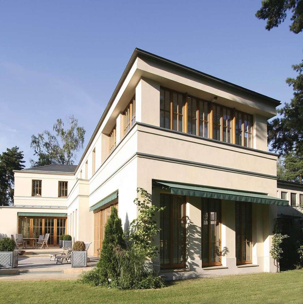 English inspired - Domizil mit Landhausflair: landhausstil Häuser von CG VOGEL ARCHITEKTEN
