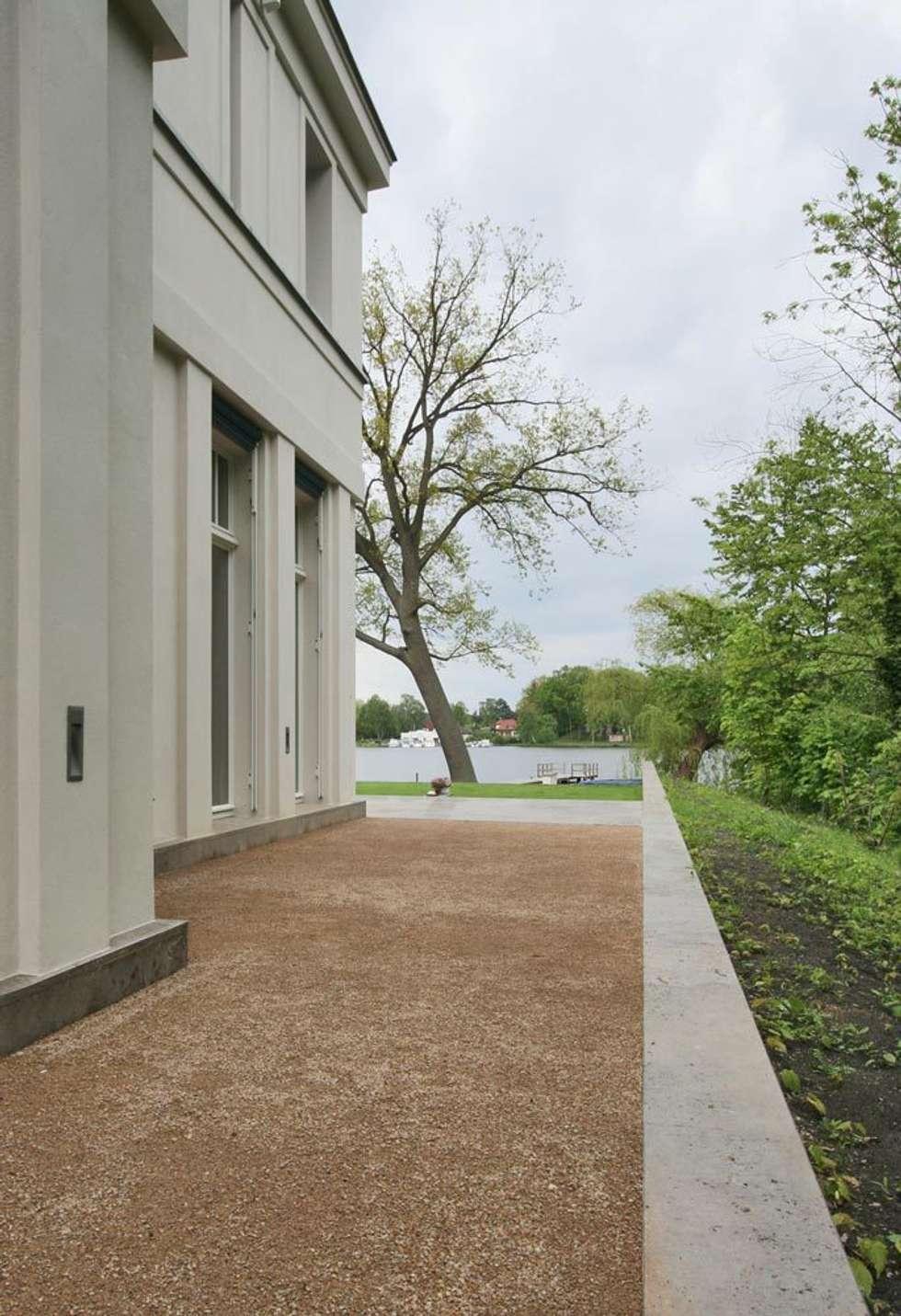 Liegeplatz am See - Landsitz mit Ferienambiente: klassische Häuser von CG VOGEL ARCHITEKTEN