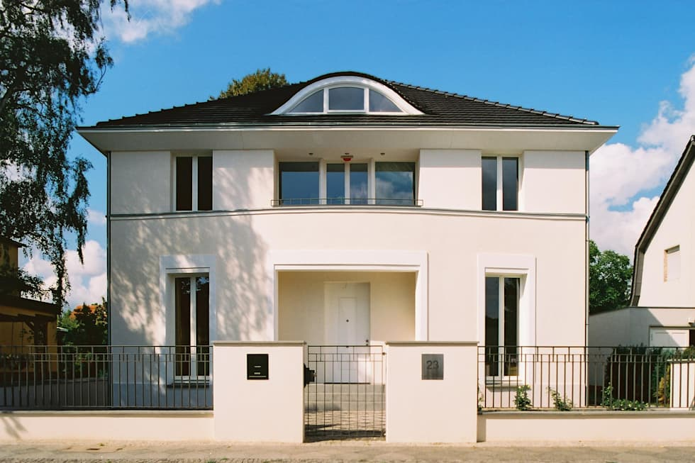 Klassische Villa mit zentraler Halle: klassische Häuser von CG VOGEL ARCHITEKTEN