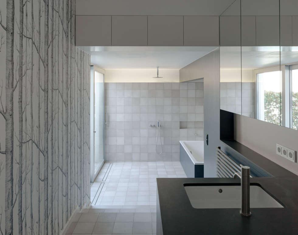 Badezimmer:  Badezimmer von Architektur Sommerkamp