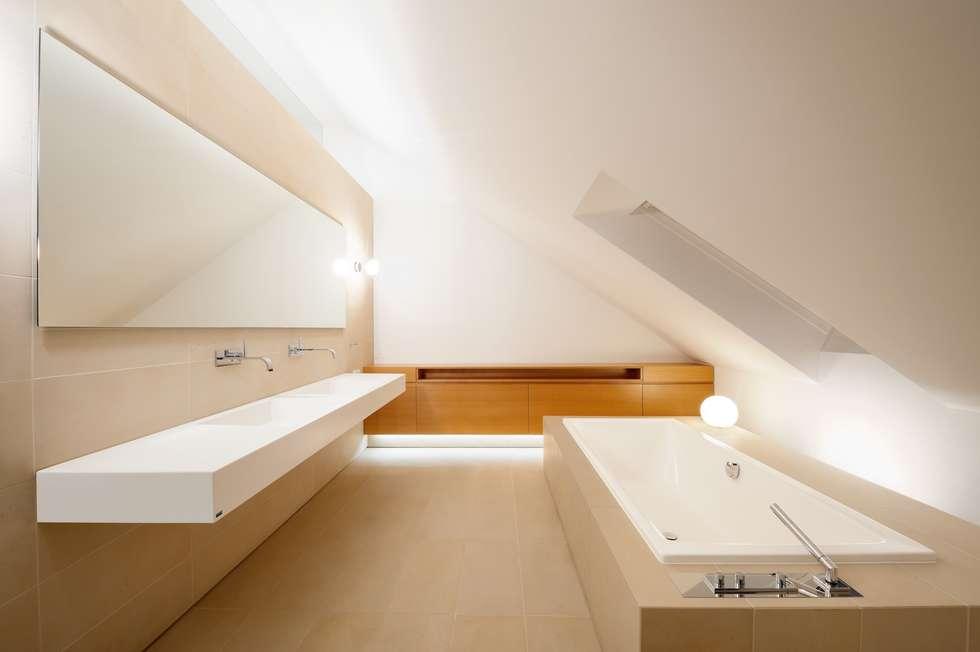Baddesgin exclusiv: klassische Badezimmer von innenarchitektur-rathke