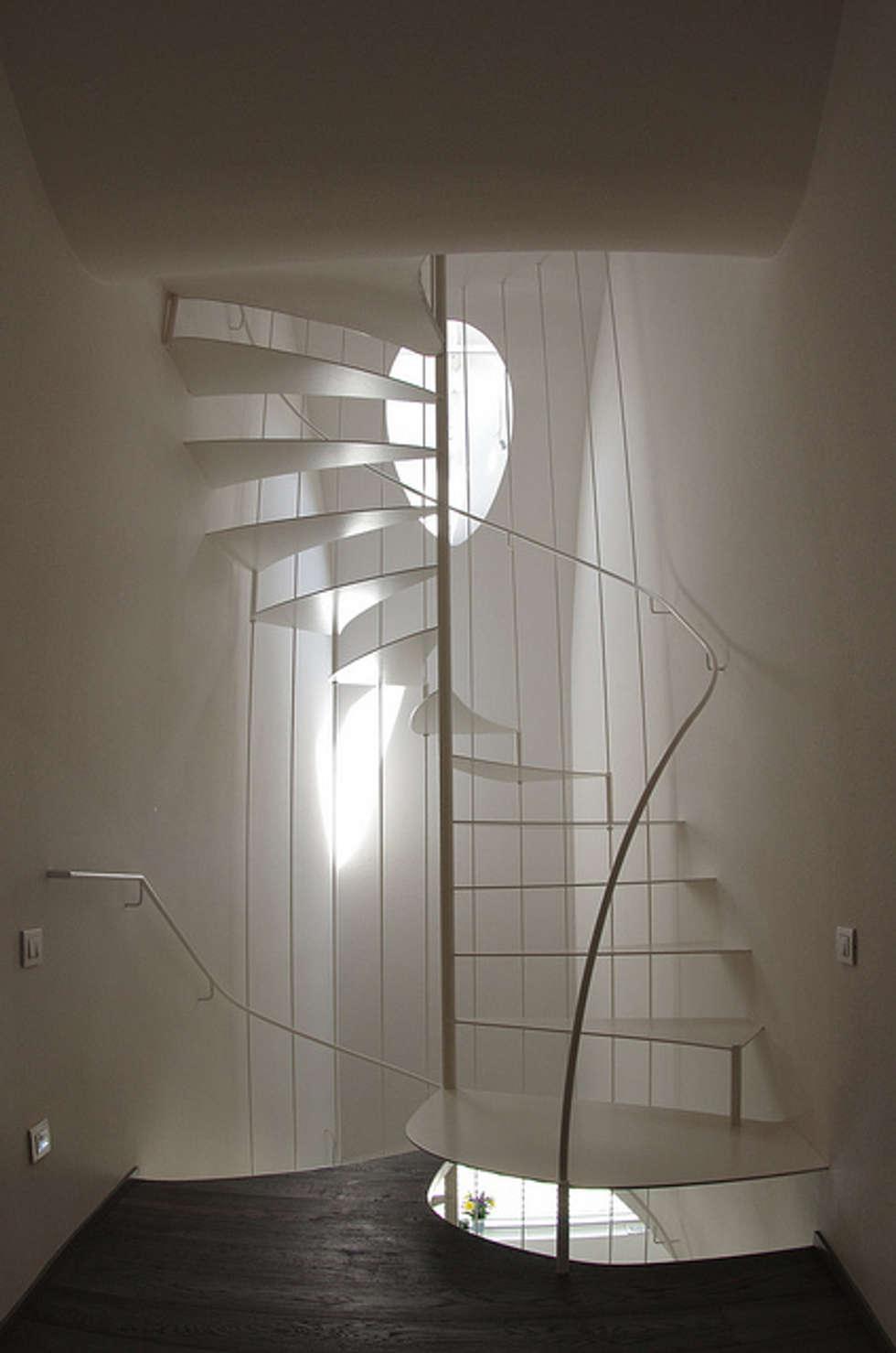 Pasillos y vestíbulos de estilo  de lauro ghedini & partners _ architecture.design   studio