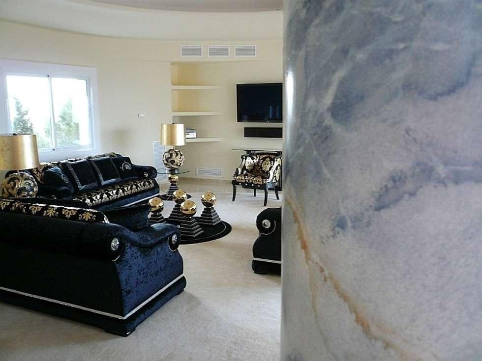 Marmormalerei: mediterrane Wohnzimmer von Illusionen mit Farbe