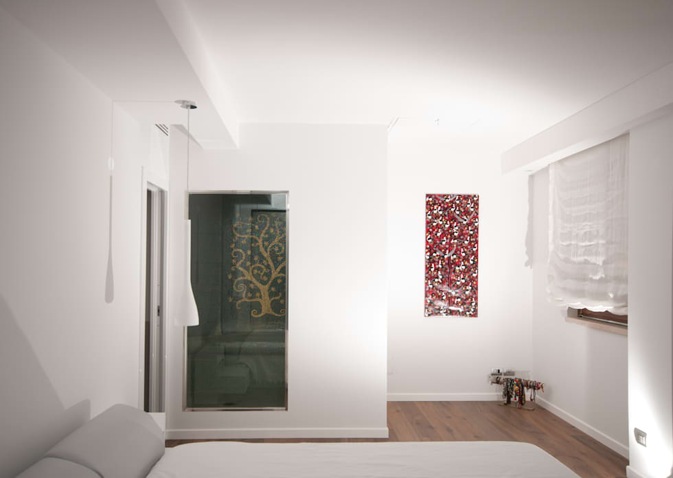 modern Bedroom by LuVi ph