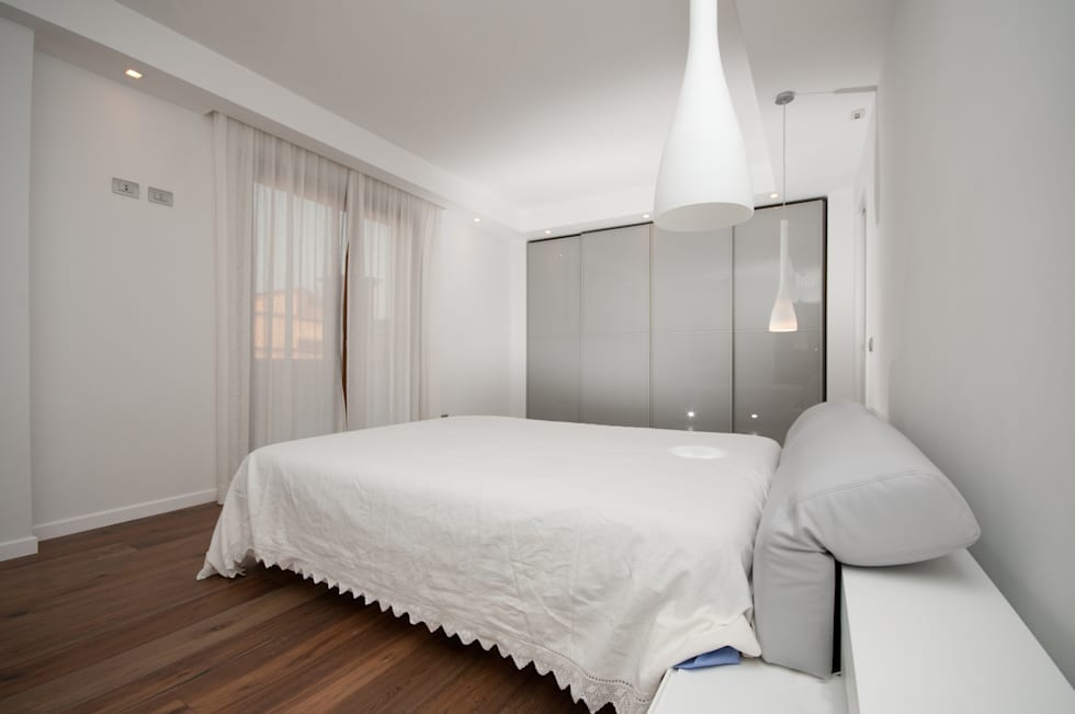modern Bedroom by LuVi ph