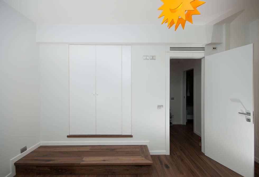 modern Nursery/kid's room by LuVi ph