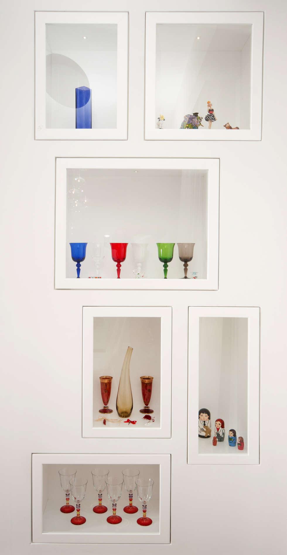 modern Living room by LuVi ph
