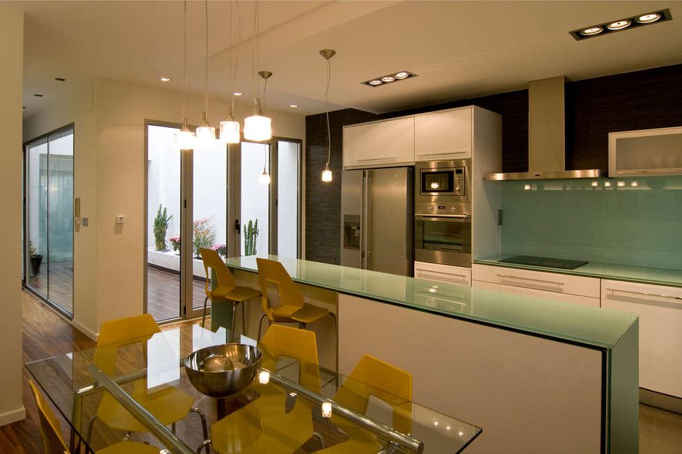 Fotos de cocinas de estilo moderno de az dise o homify - Cocinas diseno moderno ...