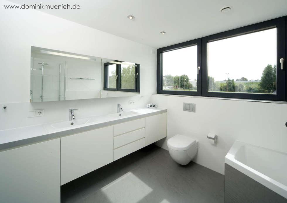 generalsanierung am pflanzgarten 20, regensburg: moderne Badezimmer von Architekturbüro Ferdinand Weber