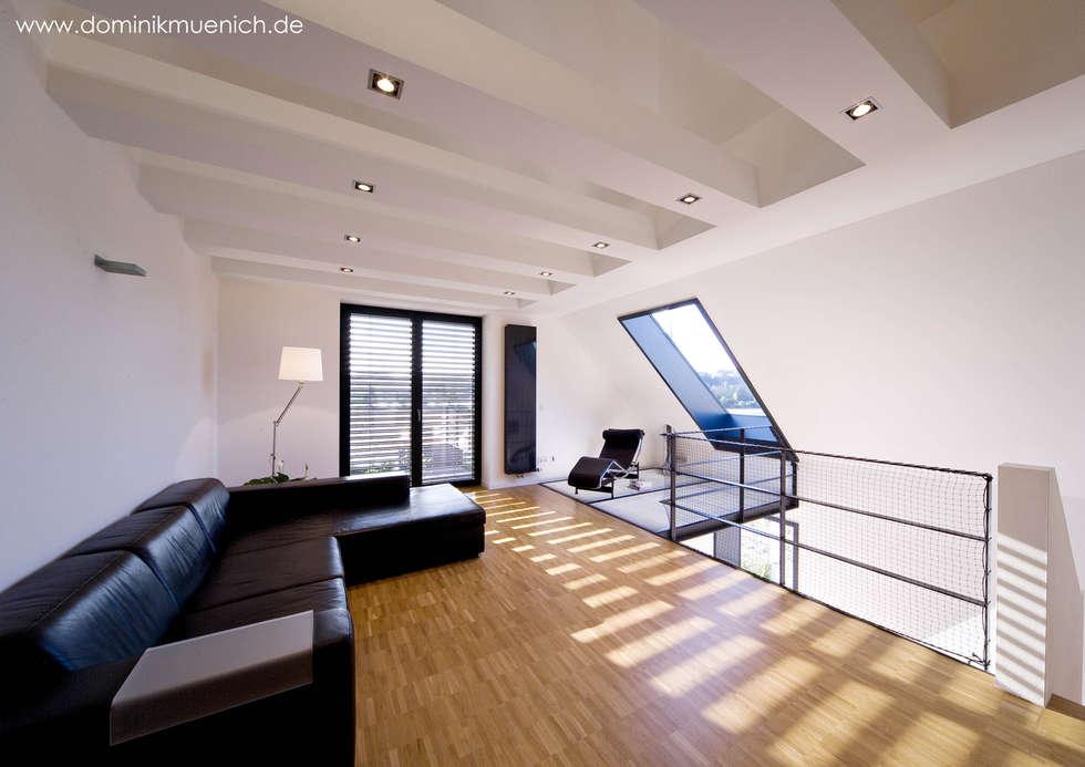 generalsanierung am pflanzgarten 20, regensburg: moderne Wohnzimmer von Architekturbüro Ferdinand Weber