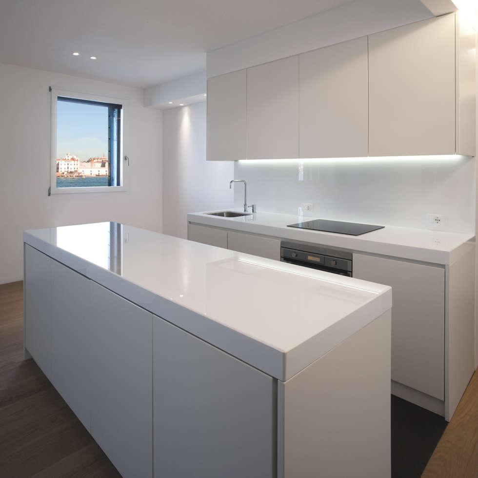 Idee arredamento casa interior design homify for Arredare cucina piccola e stretta