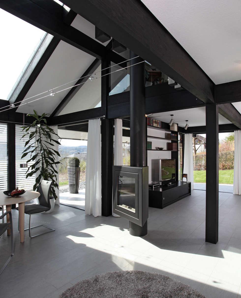 Traum-Alterswohnsitz im Westerwald: moderne Wohnzimmer von DAVINCI HAUS GmbH & Co. KG