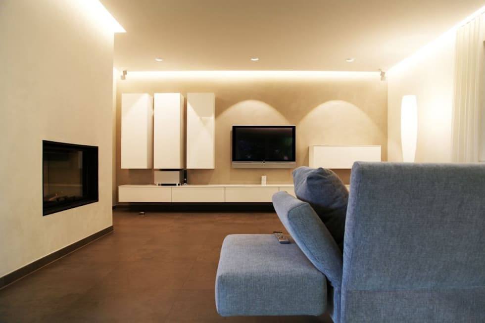 Villa St. Wendel: moderne Wohnzimmer von Bolz Licht & Design GmbH