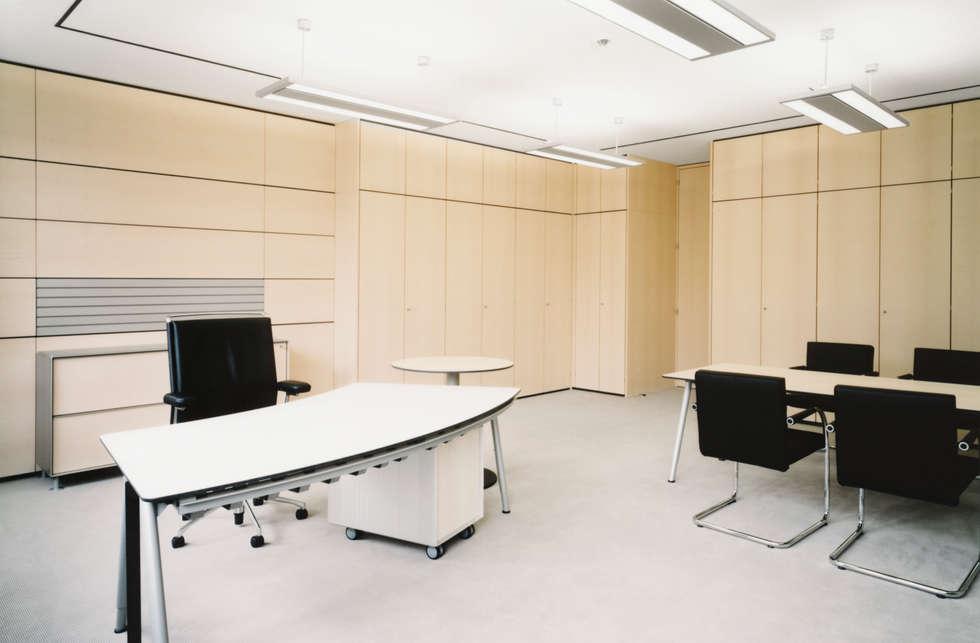 Eckart Werke Haus 56:  Geschäftsräume & Stores von Marius Schreyer Design