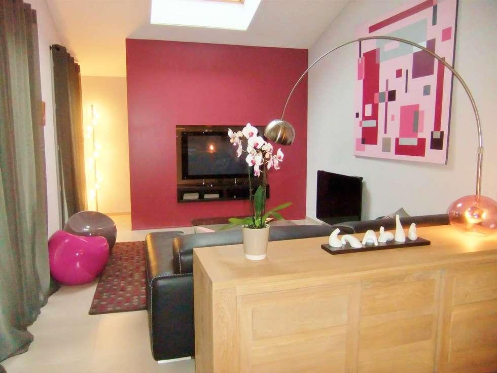 Salon: Salon de style de style Moderne par HOME feeling