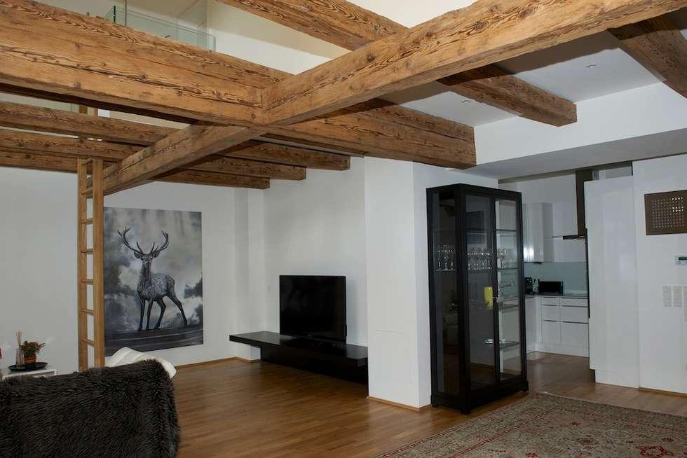 Dachgeschoss : ausgefallene Wohnzimmer von Elke Altenberger Interior Design & Consulting