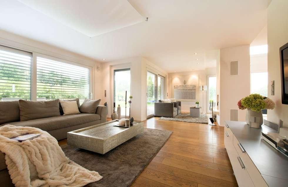 Wohnzimmer: moderne Wohnzimmer von Luna Homestaging