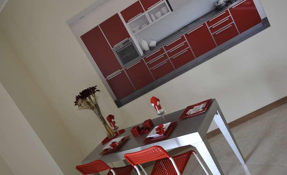 Cucina: Sala da pranzo in stile in stile Moderno di Gabriella Sala   Home Staging & Relooking Specialist