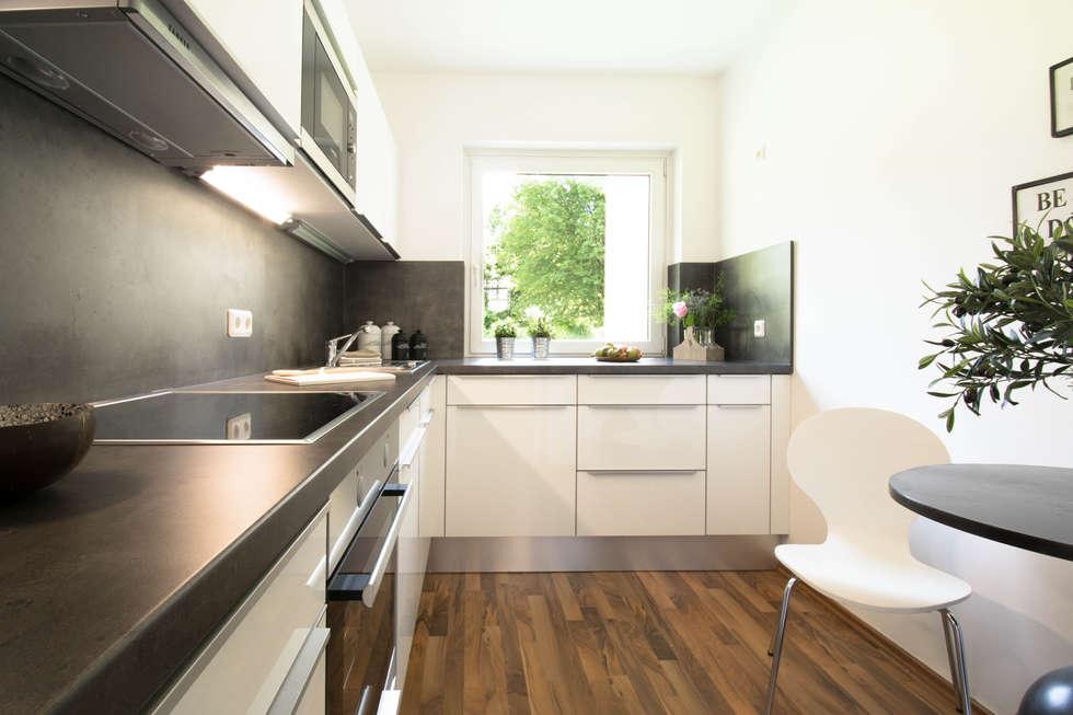 Küche nachher: moderne Küche von Luna Homestaging