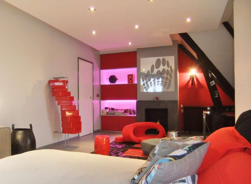 Vaste chambre dans un esprit loft New Yorkais: Salon de style de style Moderne par HOME feeling