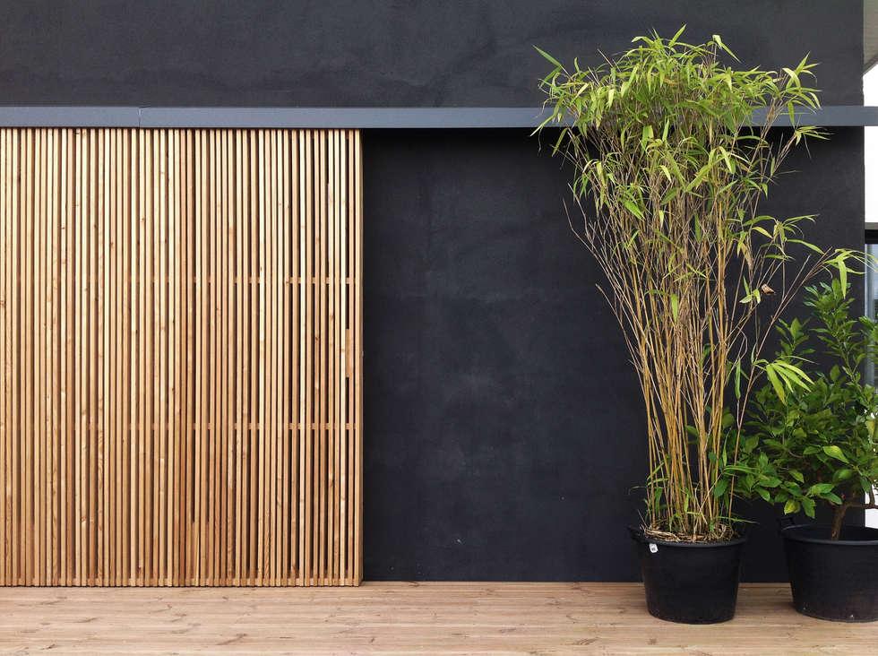 Façade: Maisons de style de style Moderne par BIENSÜR Architecture