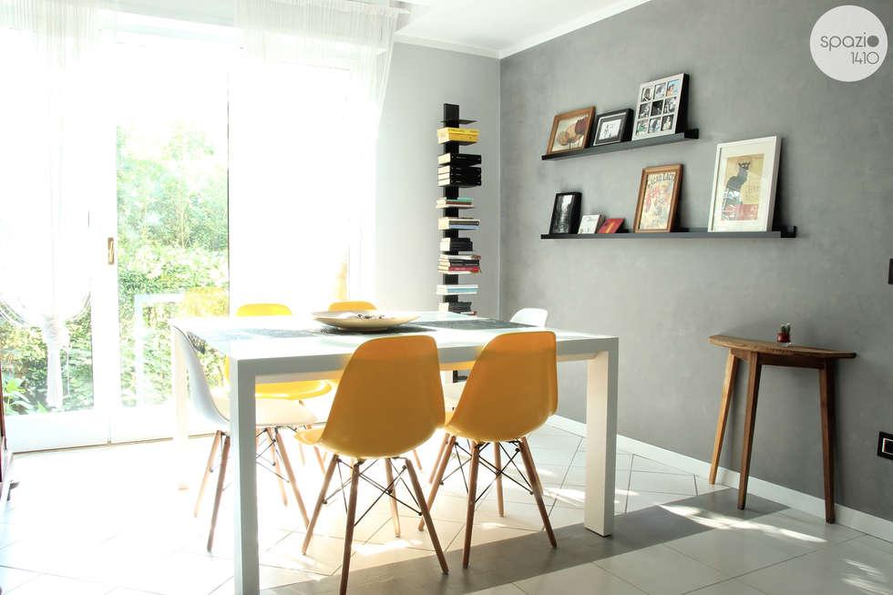 La zona pranzo: Soggiorno in stile in stile Moderno di Spazio 14 10 di Stella Passerini