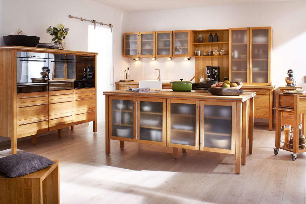 Massivholz Modulküche pure nature: landhausstil Küche von annex Gmbh & Co. KG