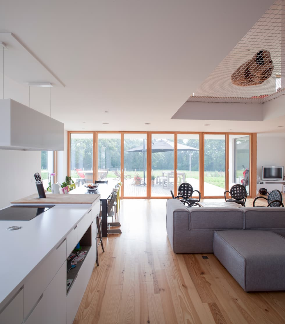 MAISON PASSIVE - ARCANGUES - PAYS BASQUE: Cuisine de style de style Moderne par POLY RYTHMIC ARCHITECTURE