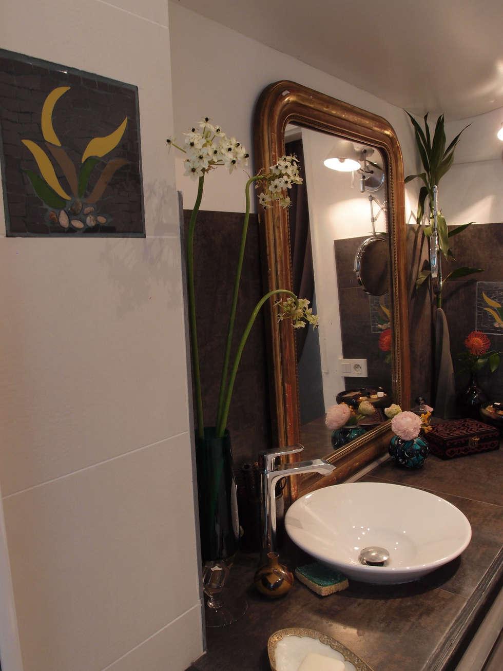 Mosaïques dans une salle de bain: Salle de bains de style  par Mosa de Luna