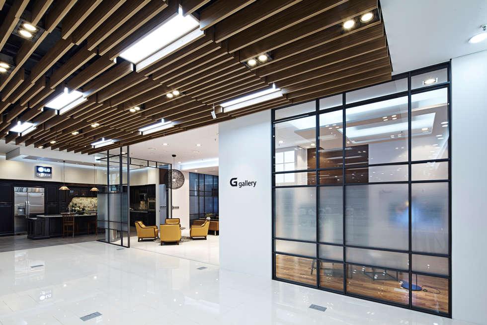 LG bestshop Flagship store Renewal 2015, Gangnam, Seoul, Korea: Design Solution의  상업 공간