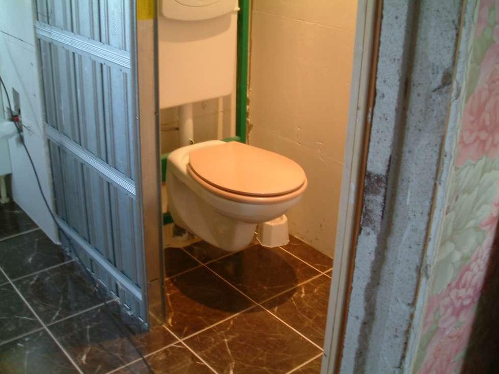 Suite parentale: WC: Salle de bains de style  par DK2DECO