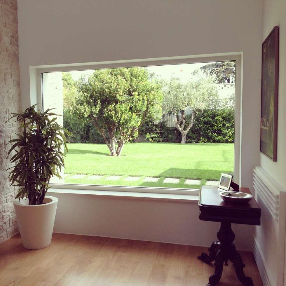 interno/esterno: Giardino in stile in stile Mediterraneo di m12 architettura design