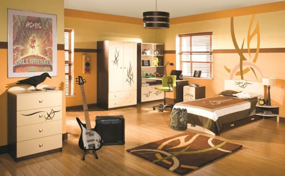 Kinderzimmer Tatoo: moderne Kinderzimmer von Möbelgeschäft MEBLIK