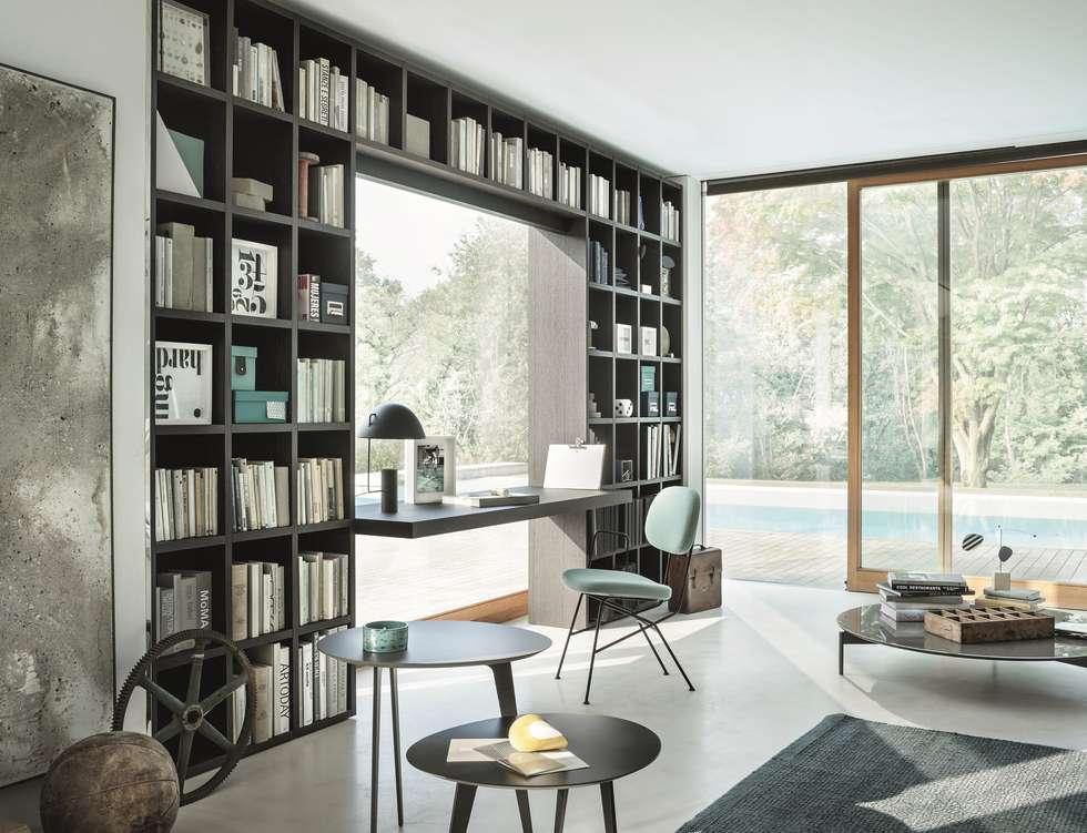 Tailored Bookshelf: Studio in stile in stile Moderno di Mobilificio Marchese