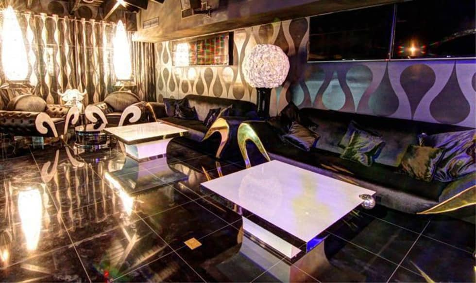 DUX CHIVAS CLUB - DOMINICAN REPUBLIC: Bar & Club in stile  di VGnewtrend