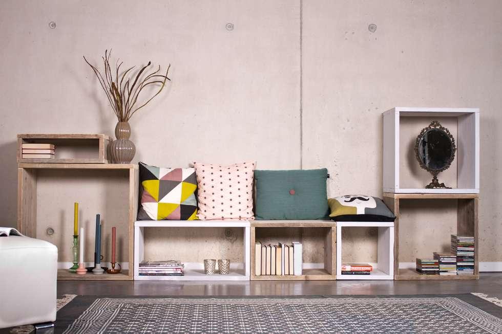 Cube Modulschrank 7 Fächer - 320 cm breit: skandinavische Wohnzimmer von PURE Wood Design