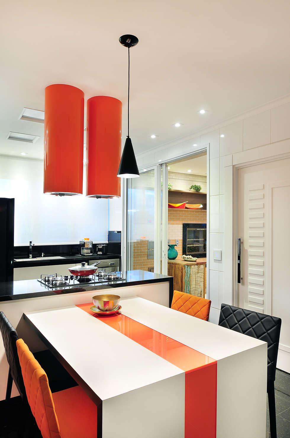 PROJETO IDENTIDADE BRASILEIRA - COZINHA: Cozinhas modernas por Adriana Scartaris design e interiores