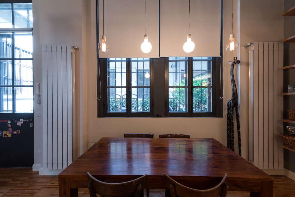Tavolo da pranzo: Case in stile  di ghostarchitects