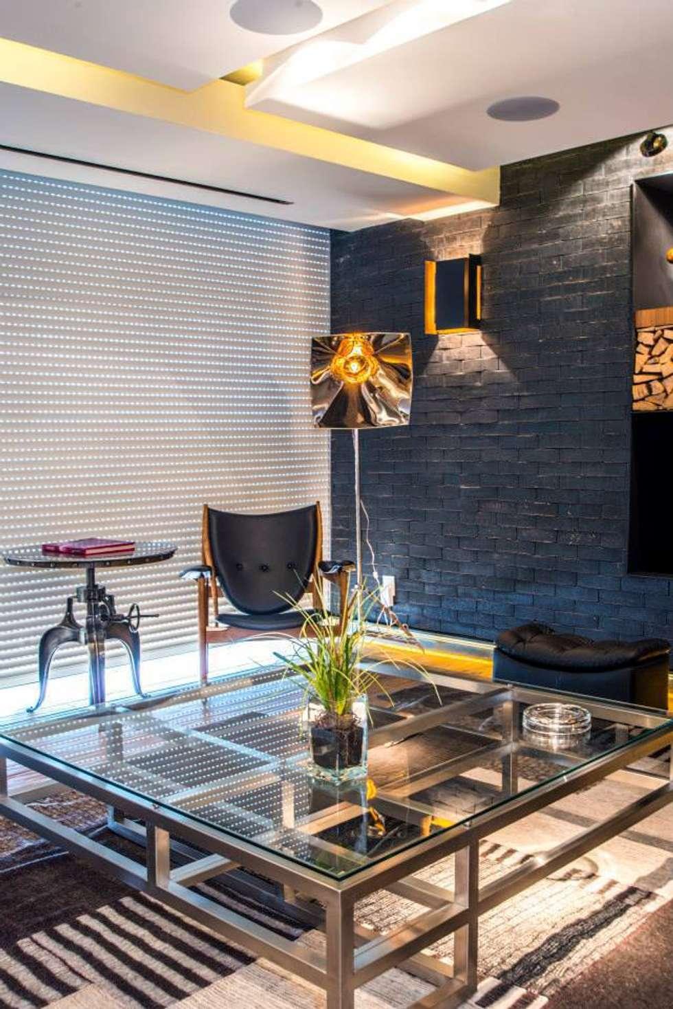 Veramonte I: Salas de estilo ecléctico por Sobrado + Ugalde Arquitectos