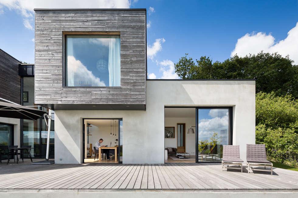 Maison individuelle:  de style  par Pascal Léopold Photographe