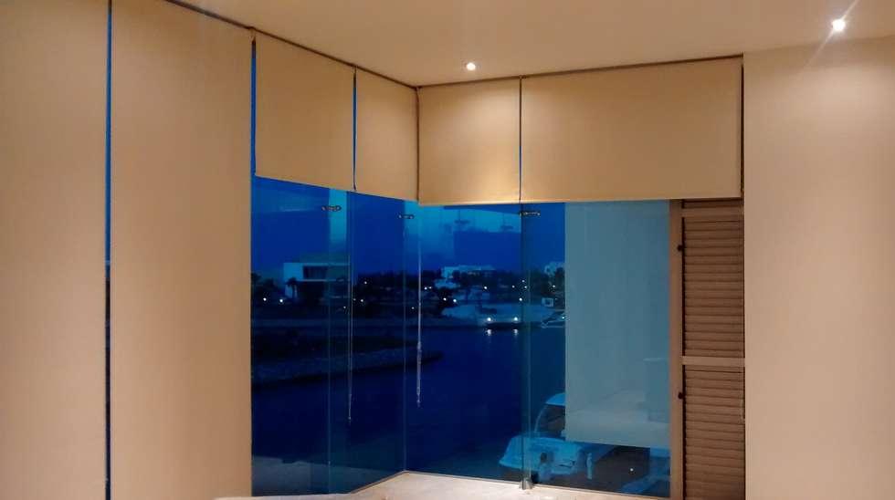 Habitación Principal: Recámaras de estilo minimalista por Vortex Arquitectos