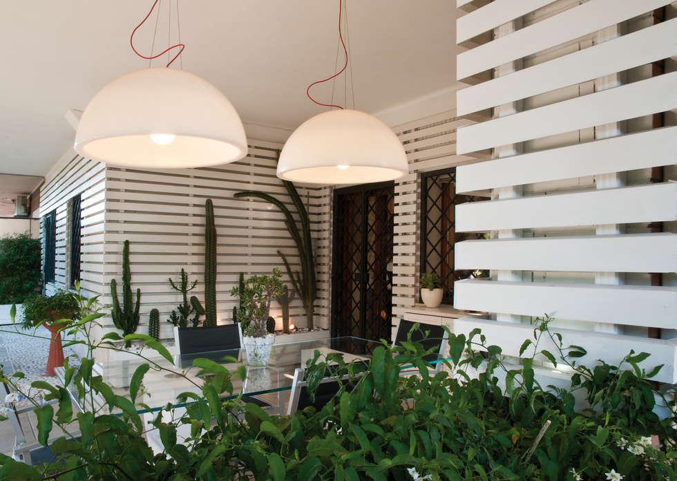 vista generale 2: Terrazza in stile  di Fabio Valente Studio di architettura e urbanistica