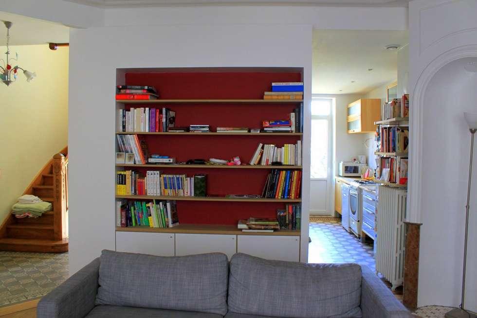 Bibliothèque: Salon de style de style Moderne par 3B Architecture